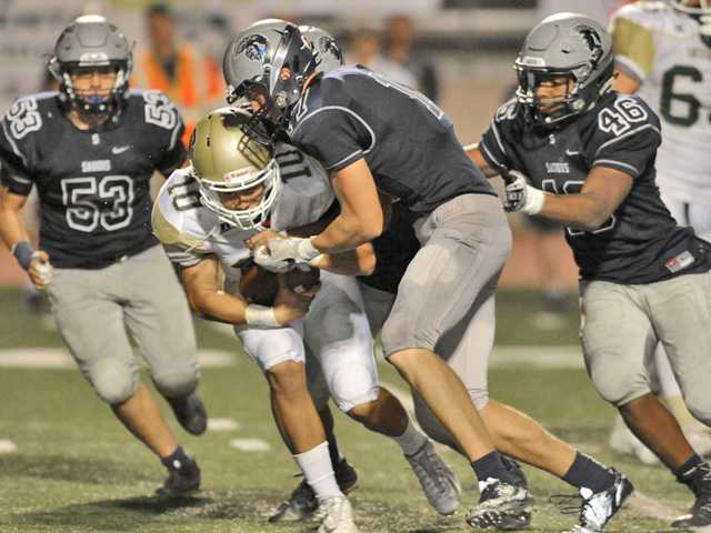 Saugus football shuts down Santa Barbara