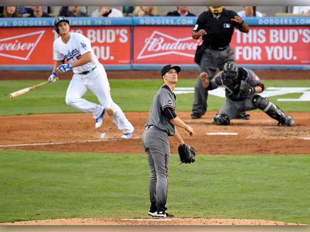 Hammer time: Dodgers hit 5 HRs in win over Greinke