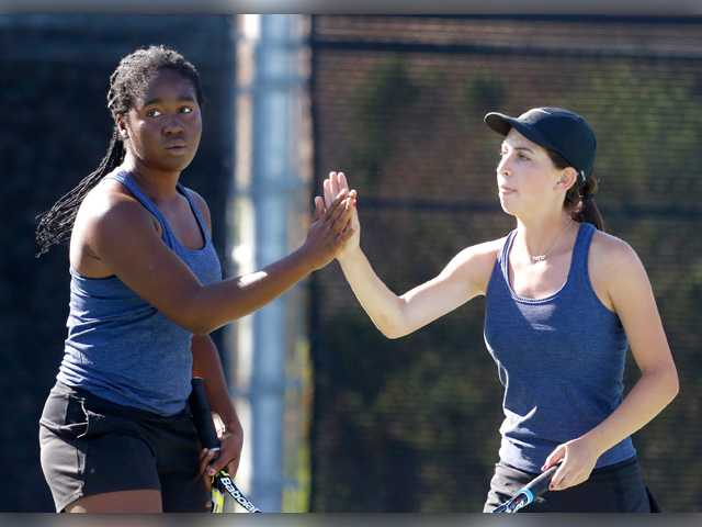 Foothill tennis roundup: Cats cut the drama