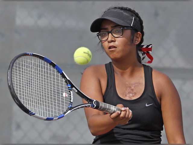 Foothill tennis roundup: Hart hits stride after first round