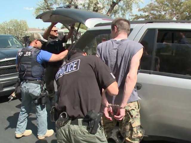 UPDATE: Homeland Security officers arrest alleged fugitives in Canyon Country
