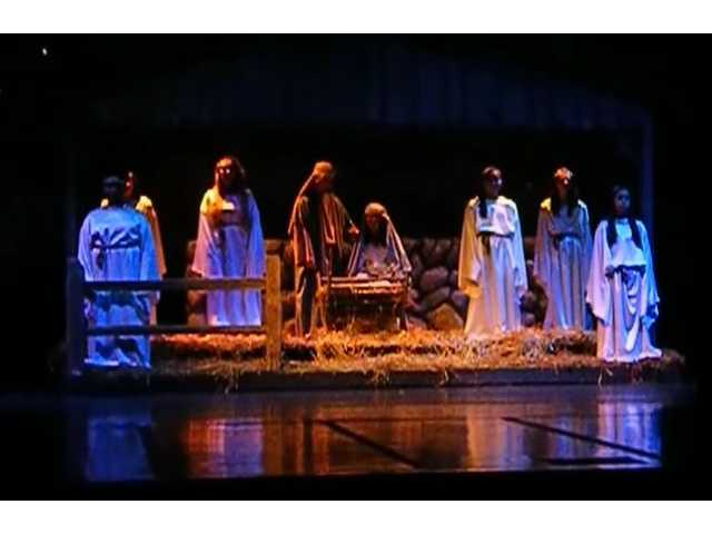 There's yet another twist in this public school lawsuit over a live nativity