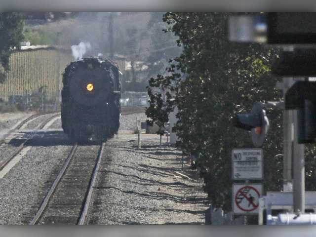 Steam engine makes history during trek through Santa Clarita