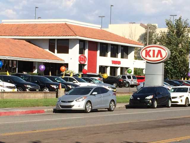 Kia of Valencia closing Oct 12; land sale confirmed
