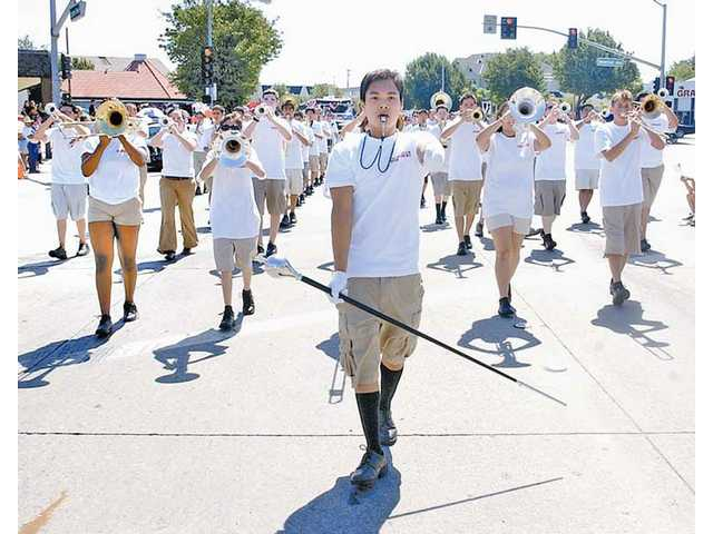 This sensibly dressed band marched in Santa Clarita's 2005 Fourth of July parade.
