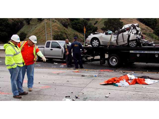 UPDATED: Two arrested after deadly I-5 crash
