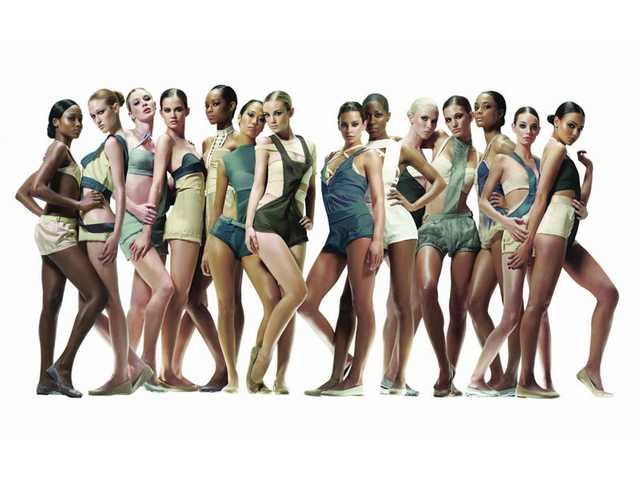 "America's Next Top Model - Cycle 13. Pictured (l-r) Sundai, Nicole, Laura, Erin, Lulu, Jennifer, Brittany, Courtney, Bianca, Rae, Kara, Ashley, Rachel and Lisa. This season's America's Next Top Model will feature contestants all under 5'7"" - well under the industry height standards."