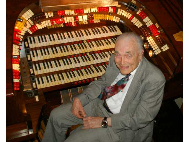 Famed organist Bob Mitchell: Tribute from a friend