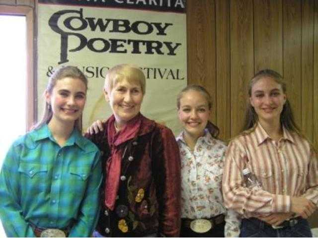 The Quebe Sisters -- Grace, Hulda and Sophia -- receive an enthusiastic welcome from Santa Clarita Mayor Laurene Weste at the 2006 Santa Clarita Cowboy Festival.