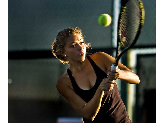 Valencia's No. 1 singles player Isabella Fraczek was the only Vikings player to sweep in the singles draw 6-2, 7-5, 6-2.