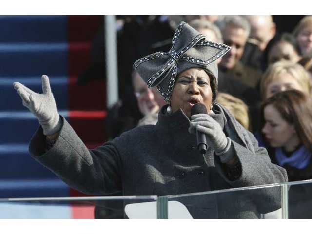 Aretha Franklin performs at the swearing-in ceremony at the U.S. Capitol in Washington, D.C., Tuesday, Jan. 20, 2009.