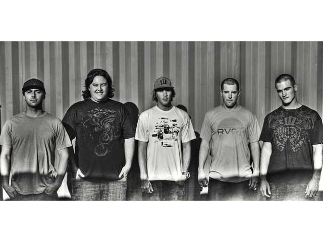 Iration mixes and matches from 8:30 p.m. to 9:15 p.m.