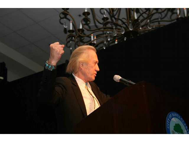 "David Carradine talks about costarring in ""The Long Riders,"" one of his favorite films, at the Walk of Western Stars induction banquet at the Hyatt Valencia April 25, 2008."