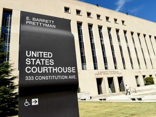 Appeals court weighs suit in US Marshals shooting