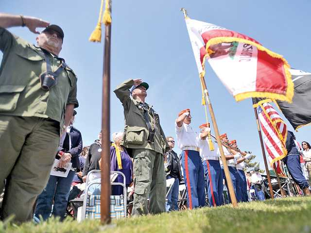 <p><span>On a cool, breezy and sunny morning, scores of attendees gathered at Eternal Valley Memorial Park and Mortuary on Sierra Highway for the annual Memorial Day Tribute 2015.</span></p>