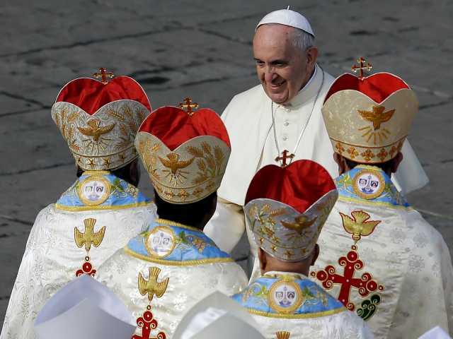 Pope canonizes 2 Indians, 4 Italians