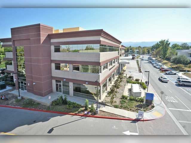 <p>The Henry Mayo Newhall Hospital campus. Signal photo by Dan Watson</p>