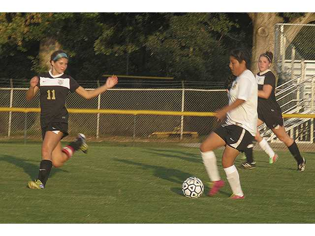 Lady Tigers fall to Central Magnet
