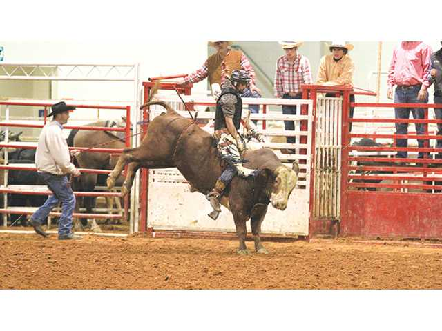 DCHS rodeo competes in Cookeville