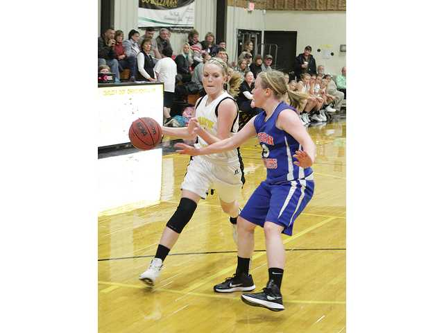 Lady Bulldogs lose road game, win at home
