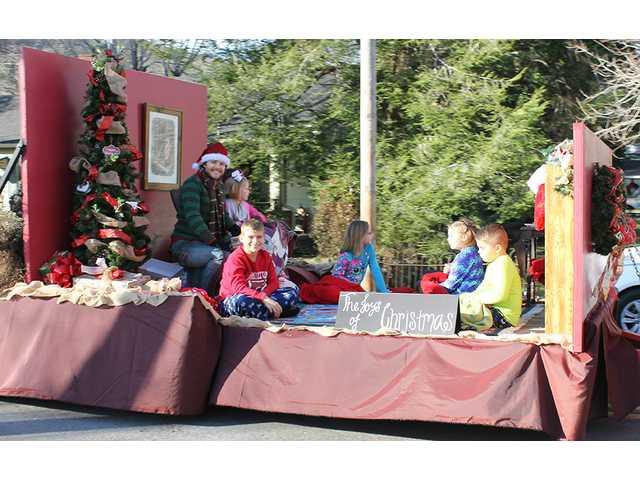 Liberty, Smithville host Christmas events