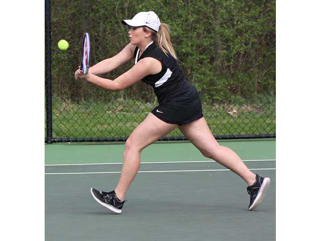 Ladies tennis gets win in Livingston