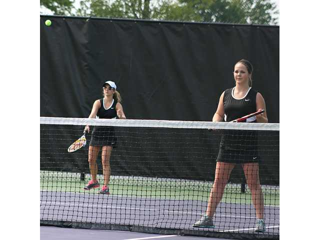 Tennis play winding down