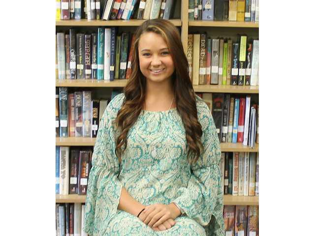 Walker crowned DCHS homecoming queen