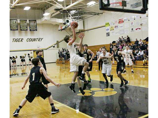Tigers take Boyd Christian, fall to Smith County Owls