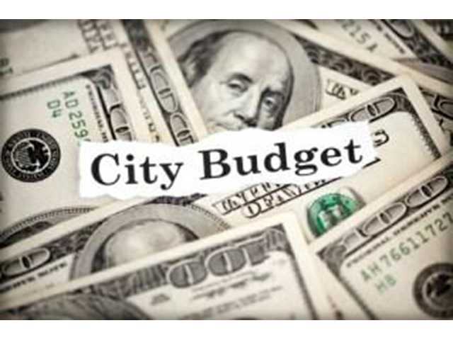 City passes budget on first reading