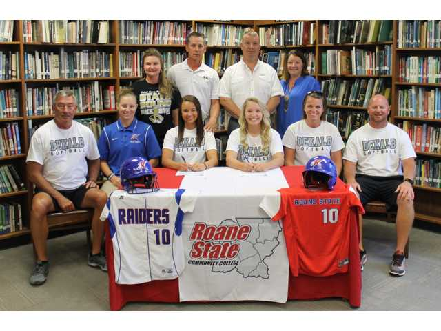 Walker, Meadows sign with Roane State