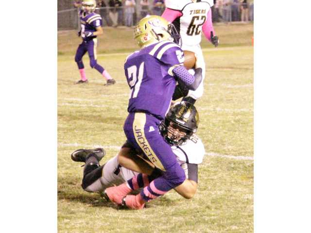 Tigers pull Grundy's stingers in last minute win.
