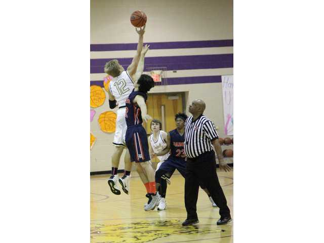 Tigers fall to Trousdale, split Cannon Classic