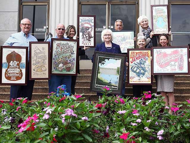 Beavers donates art to county