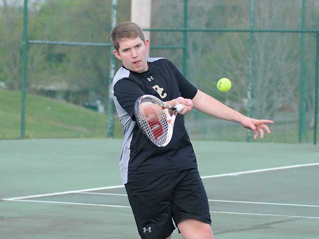 Tennis teams meet with mixed results