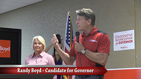 VIDEO - Randy Boyd makes Smithville stop