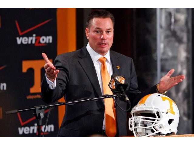 Vols enter preseason camp relying on newcomers