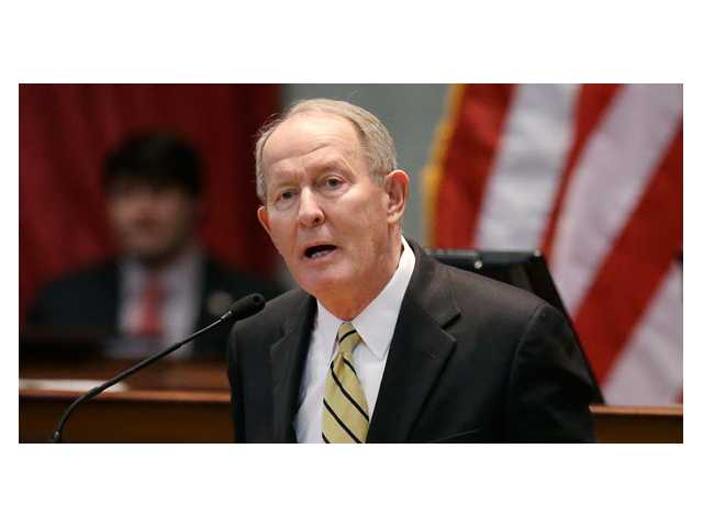 Sen. Alexander faces tea party-styled challengers