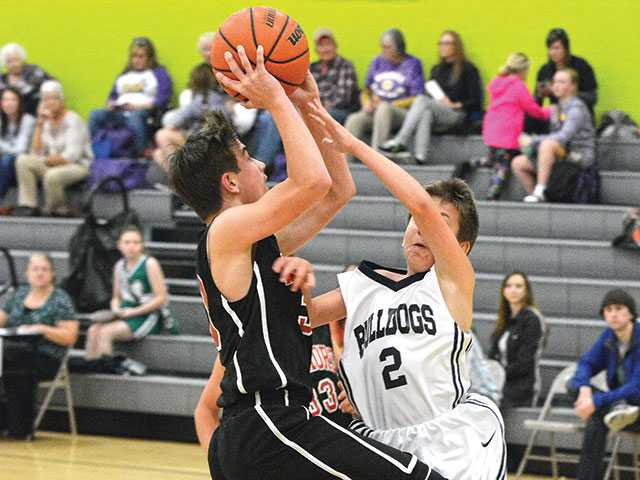 Centertown downs 'Dogs