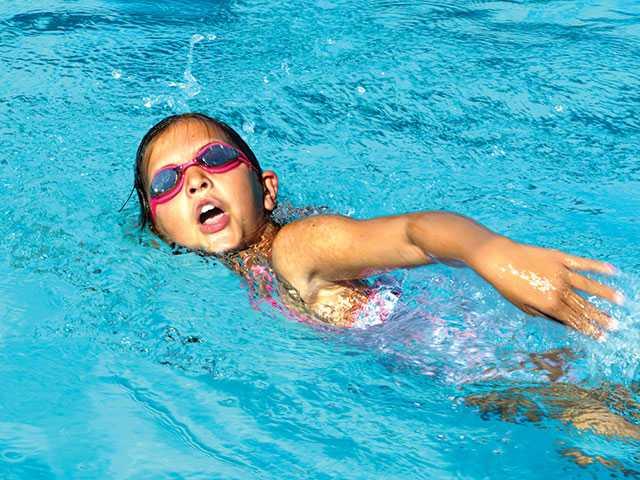 Swim team makes waves against Sewanee