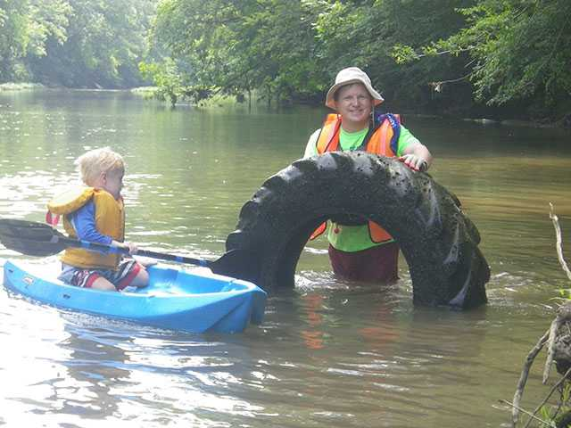 River Cleanup attracts 375 volunteers