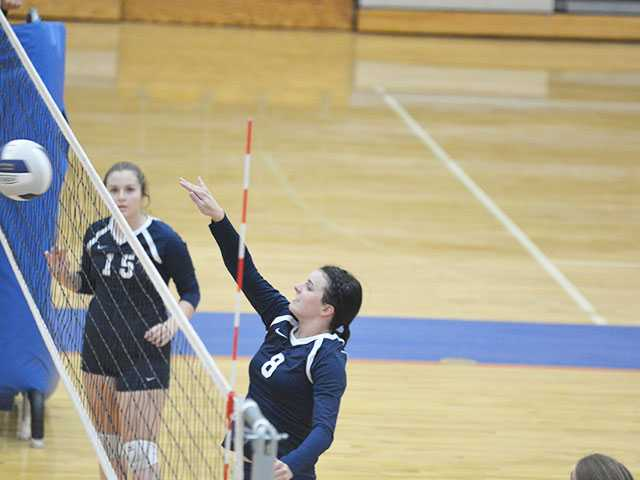 WCHS volleyball falls to Cookeville