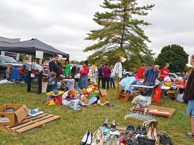 Morrison comes together for town yard sale