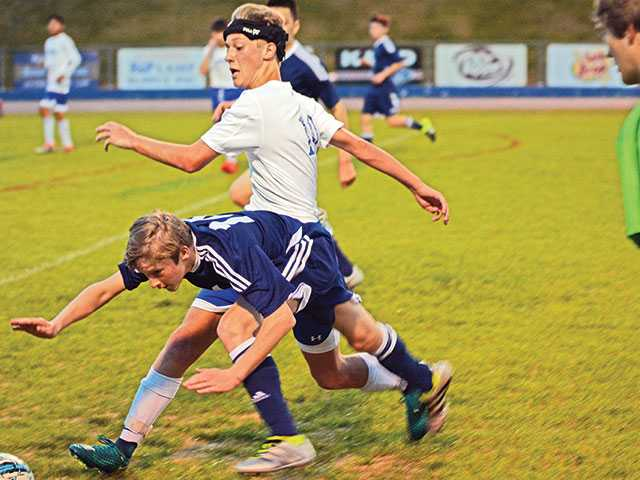 WCMS soccer snags dramatic win over Siegel