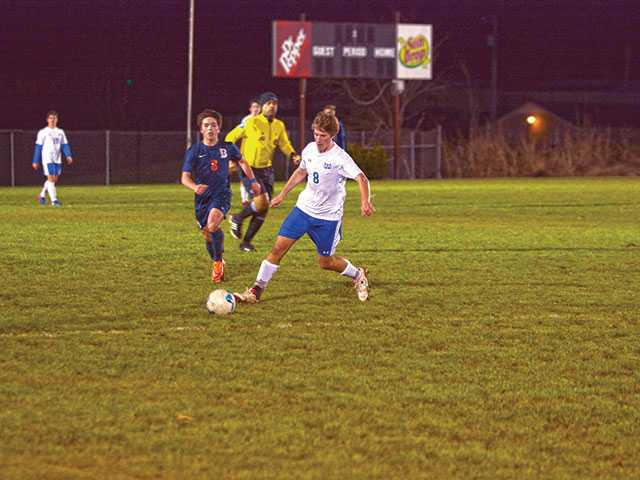Pioneers tame Lions