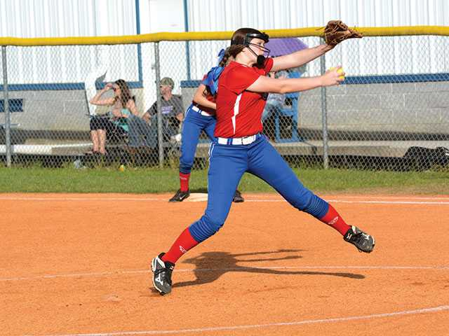WCMS Lady Pioneers outscore Franklin South, 32-0
