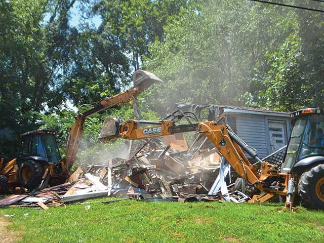 City demolishing buildings deemed unfit