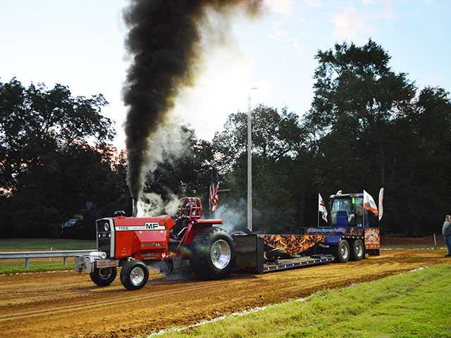 Tractor pull to rumble into Viola for 30th time