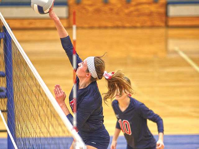 Cookeville tops Lady Pioneers