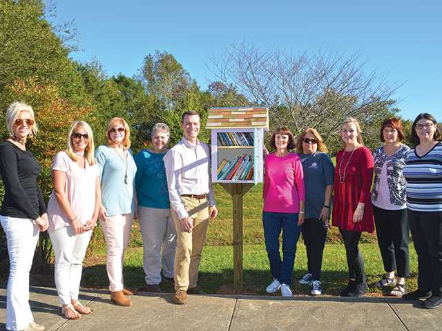 Little Free Library comes to Hickory Creek